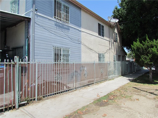 7. 1658 E Vernon Avenue Los Angeles, CA 90011