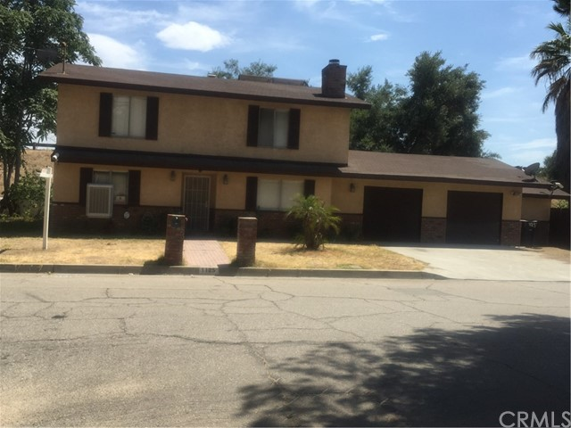 1125 Holly Vista Boulevard, San Bernardino, CA 92404