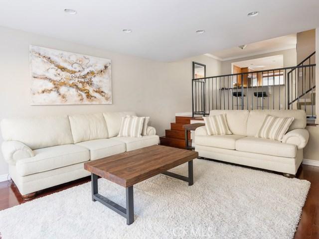 2114 Grant Avenue 3, Redondo Beach, California 90278, 2 Bedrooms Bedrooms, ,2 BathroomsBathrooms,For Sale,Grant,SB20249505