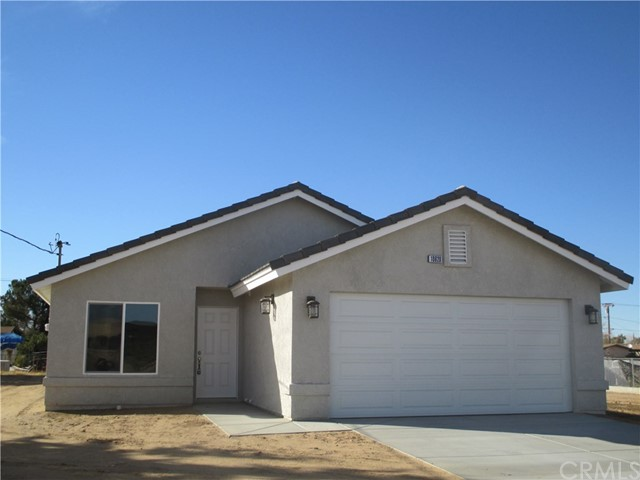 This Newly Constructed 3 Bedroom 2 Bath home has a living room with a gorgeous Kitchen that flows into the dining area and the expansive Family Room. The kitchen has plenty of cabinets, with a granite countertops and built-in appliances. Indoor Laundry, Double attached Garage and a large Covered Patio and Fenced Yard are all included.