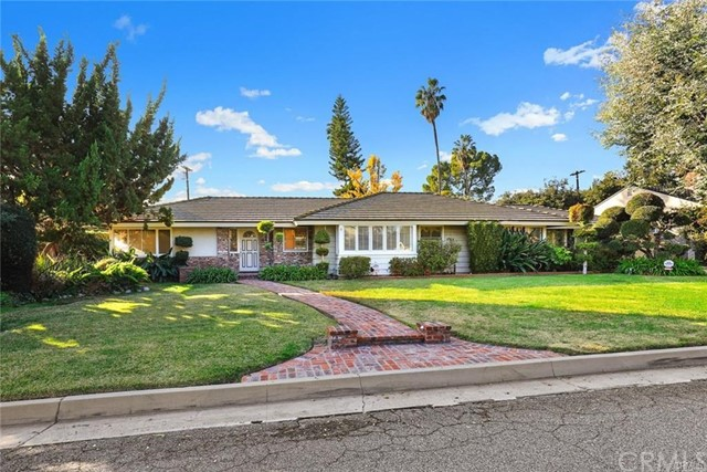 615 Carroll Way, Pasadena, CA 91107