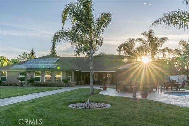 1450 N Applegate Avenue, Fresno, CA 93737
