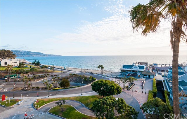 640 The Village 312, Redondo Beach, California 90277, 1 Bedroom Bedrooms, ,1 BathroomBathrooms,For Sale,The Village,SB16105701