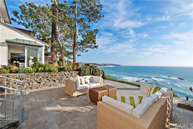 104 S La Senda Drive, Laguna Beach, CA 92651