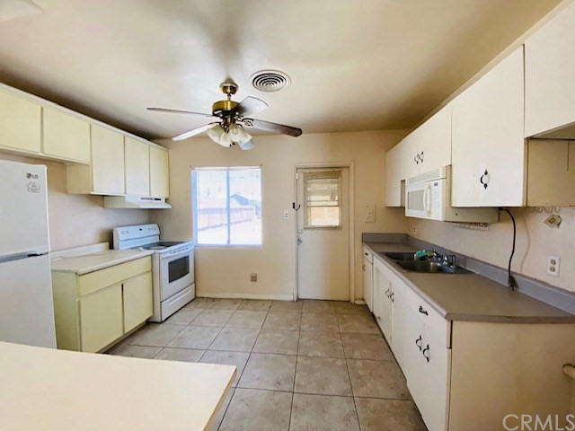 888 Stacey Av, El Centro, CA 92243 Photo 3