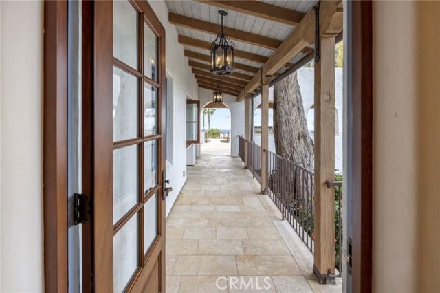 33. 909 Via Coronel Palos Verdes Estates, CA 90274