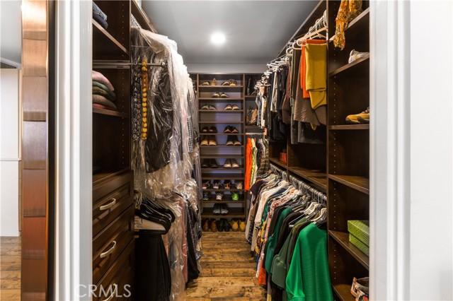 Primary suite closet
