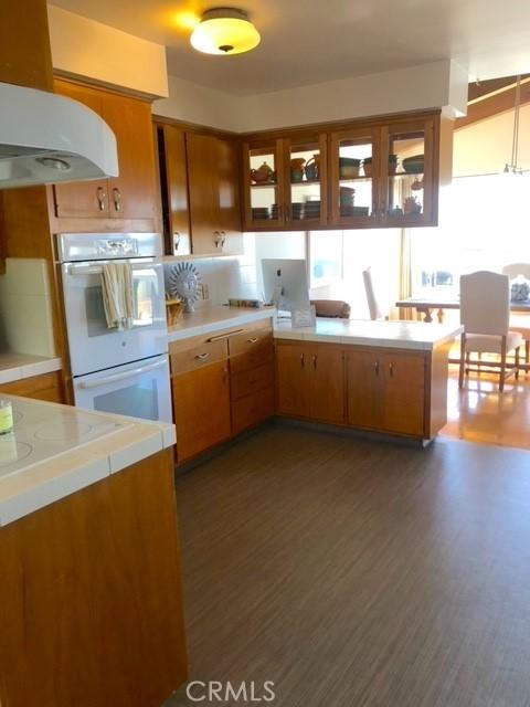 2005 Manhattan Ave, Hermosa Beach, California 90254, 3 Bedrooms Bedrooms, ,1 BathroomBathrooms,For Rent,Manhattan Ave,SB21064409