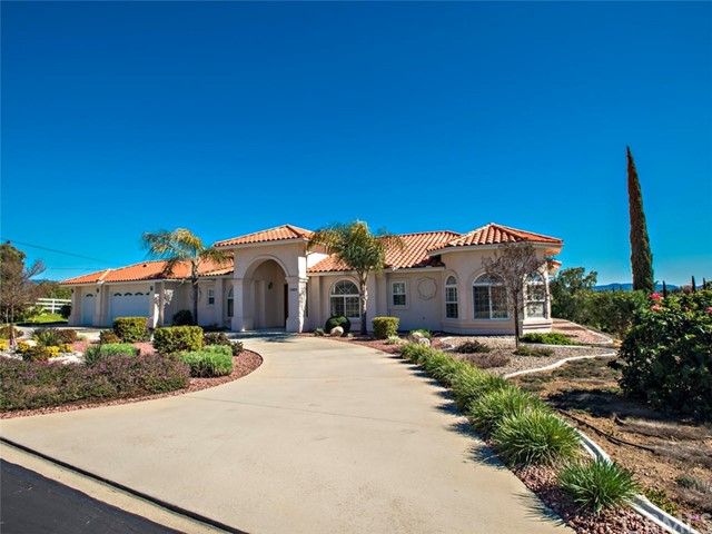 2483 Via Del Aquacate, Fallbrook, CA 92028