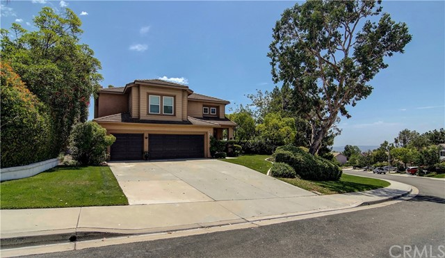 24 Toulon Avenue, Lake Forest, CA 92610
