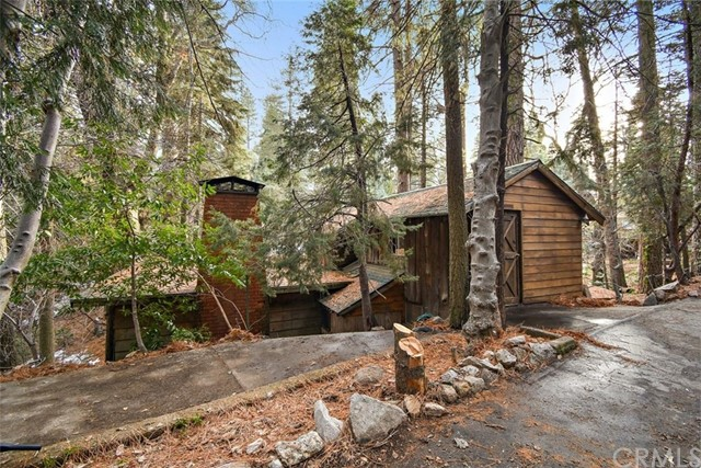 862 Fern Road, Lake Arrowhead, CA 92385