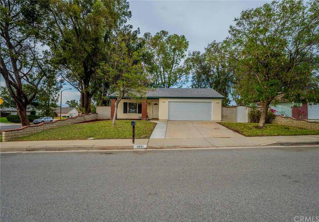 1491     Baird Street, Corona CA 92882