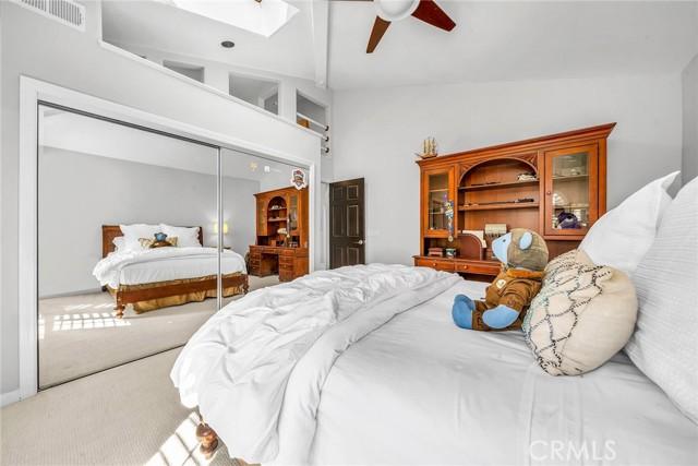 3rd bedroom w loft