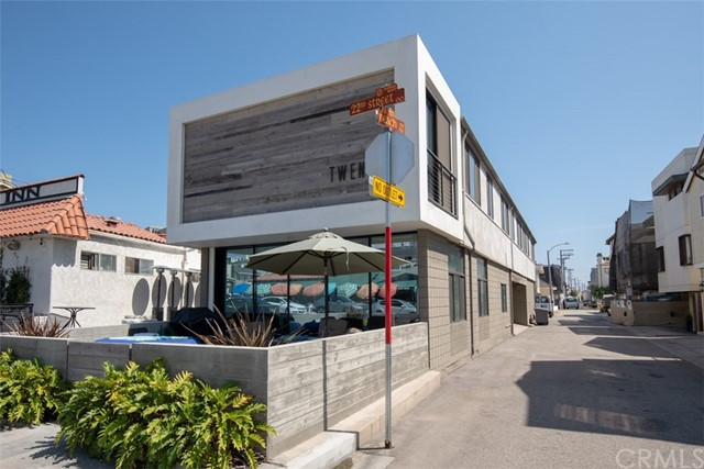 20 22nd Street A, Hermosa Beach, California 90254, 2 Bedrooms Bedrooms, ,2 BathroomsBathrooms,For Rent,22nd,SB18223146