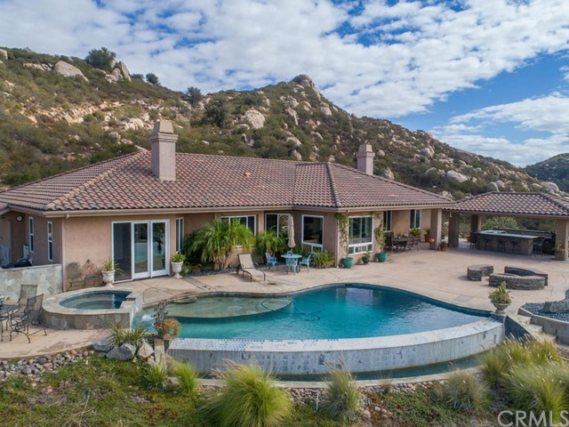 18444 Mahogany Ranch Road, Ramona, CA 92065