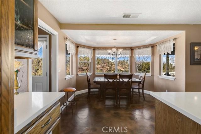 10260 Whitehaven St, Oak Hills, CA 92344 Photo 23