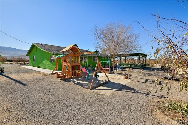 34738 Old Woman Springs Rd, Lucerne Valley, CA 92356 Photo 5