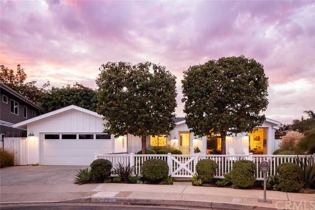 Photo of 223 Robinhood Place, Costa Mesa, CA 92627