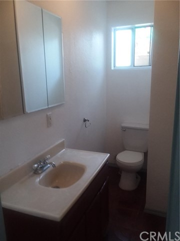 10614 S Hoover St, Los Angeles, CA 90044 Photo 5