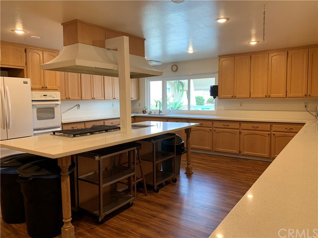 You can use this Kitchen when you rent the Recreation Room