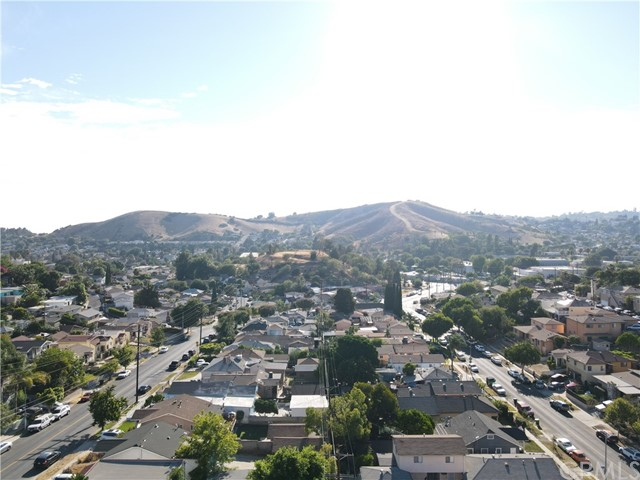24. 2533 Lombardy Boulevard Los Angeles, CA 90032