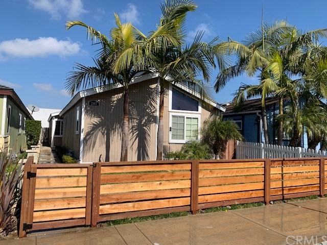 207  Portland Avenue, Huntington Beach, California