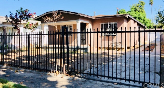743 E 74th Street, Los Angeles, CA 90001