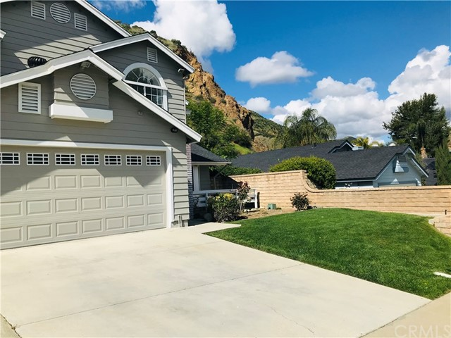 32363 Mustang Dr, Castaic, CA 91384 Photo 3