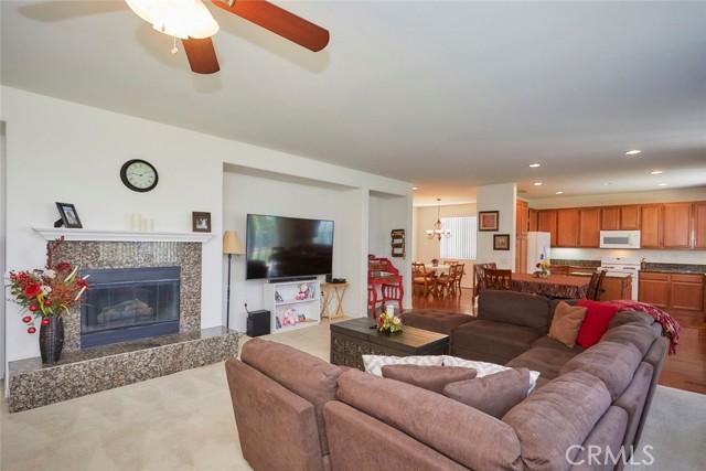 8443 Fillmore Ct, Oak Hills, CA 92344 Photo 8