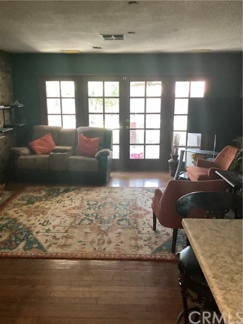 7. 6904 Ranch House Road Bakersfield, CA 93309
