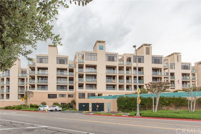 110 The village 204, Redondo Beach, CA 90277