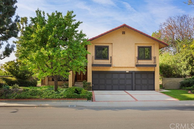 1737 Via Palomares, San Dimas, CA 91773