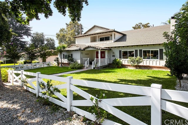 Photo of 653 S Orchard Drive, Burbank, CA 91506