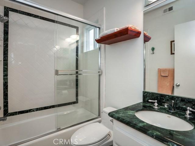 88 Manhattan Avenue, Manhattan Beach, California 90266, 3 Bedrooms Bedrooms, ,4 BathroomsBathrooms,For Sale,Manhattan,SB17179236