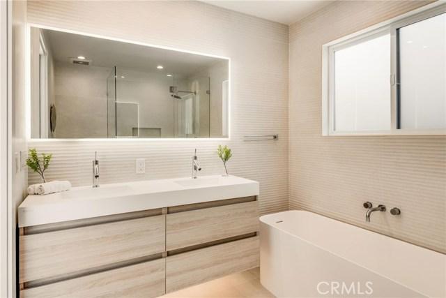 1030 2nd Street, Manhattan Beach, California 90266, 3 Bedrooms Bedrooms, ,2 BathroomsBathrooms,For Sale,2nd,SB20097357