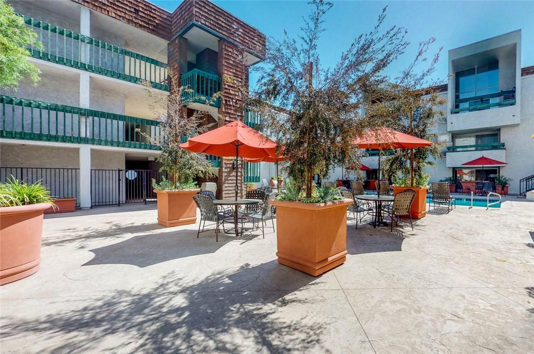 360 S Euclid Av, Pasadena, CA 91101 Photo 13