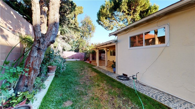 Image 41 of 12215 Vose St, North Hollywood, CA 91605