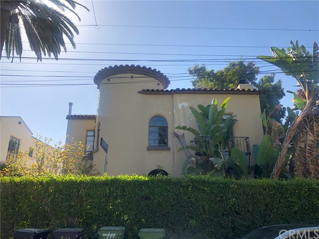 6040 Graciosa Drive, Los Angeles, CA 90068