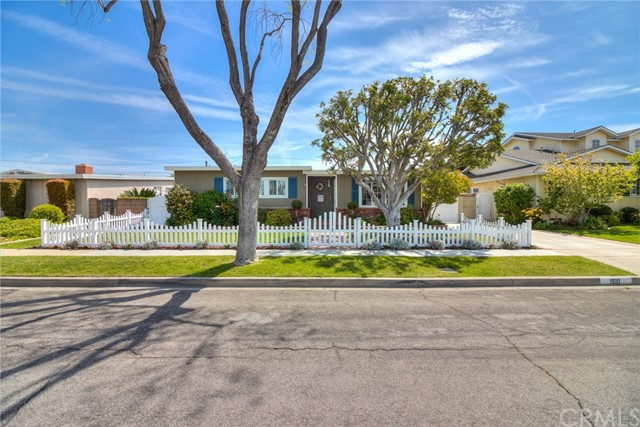 1510 Iroquois Avenue, Long Beach, CA 90815