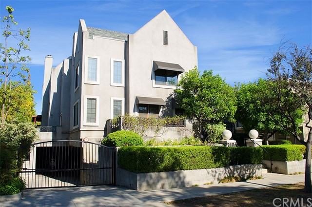 240 S Mentor Avenue 2, Pasadena, CA 91106