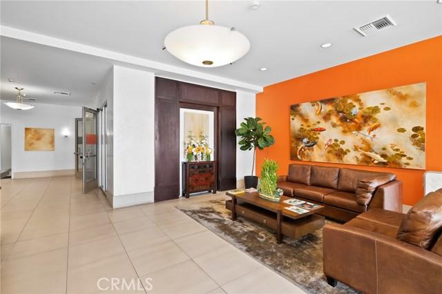 3223 6th Street, Los Angeles, California 90020, 2 Bedrooms Bedrooms, ,3 BathroomsBathrooms,Condominium,For Sale,6th,OC20200886