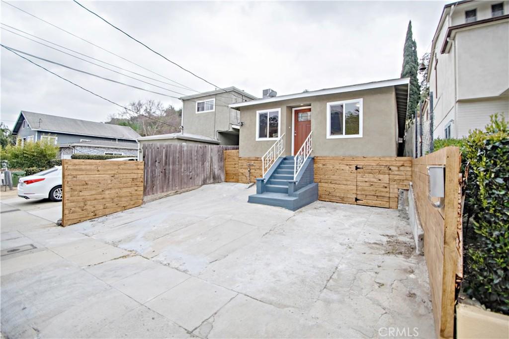 750     Amador Street, Los Angeles CA 90012