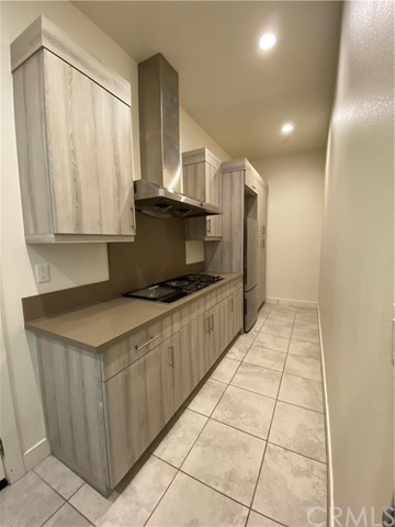 Prep kitchen with complete set of appliances
