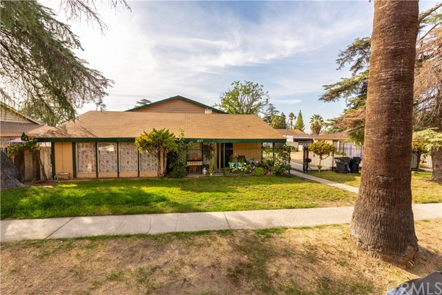 1017 Oxford Dr, Redlands, CA 92374