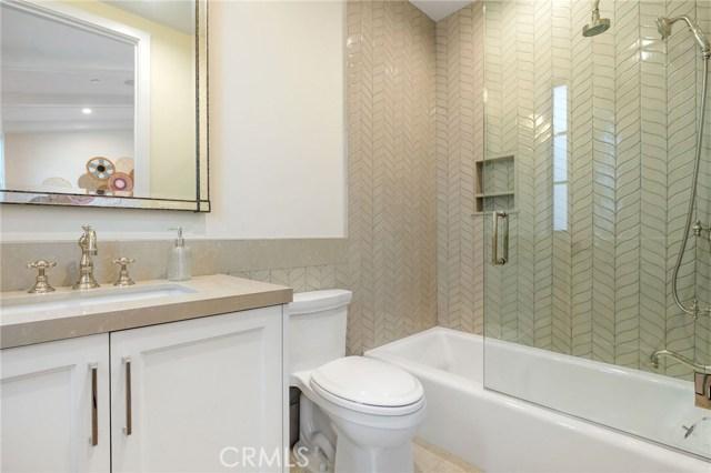 633 11th Street, Manhattan Beach, California 90266, 5 Bedrooms Bedrooms, ,5 BathroomsBathrooms,For Sale,11th Street,SB20213636