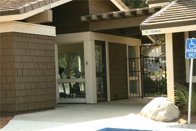 28. 27 Streamwood #27 Irvine, CA 92620
