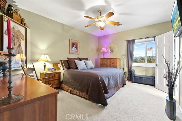 10578 Canita Ct, Oak Hills, CA 92344 Photo 32