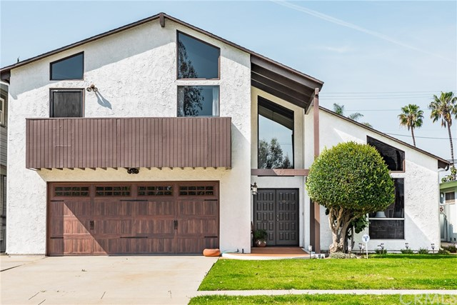 3733 Pine Avenue, Long Beach, CA 90807