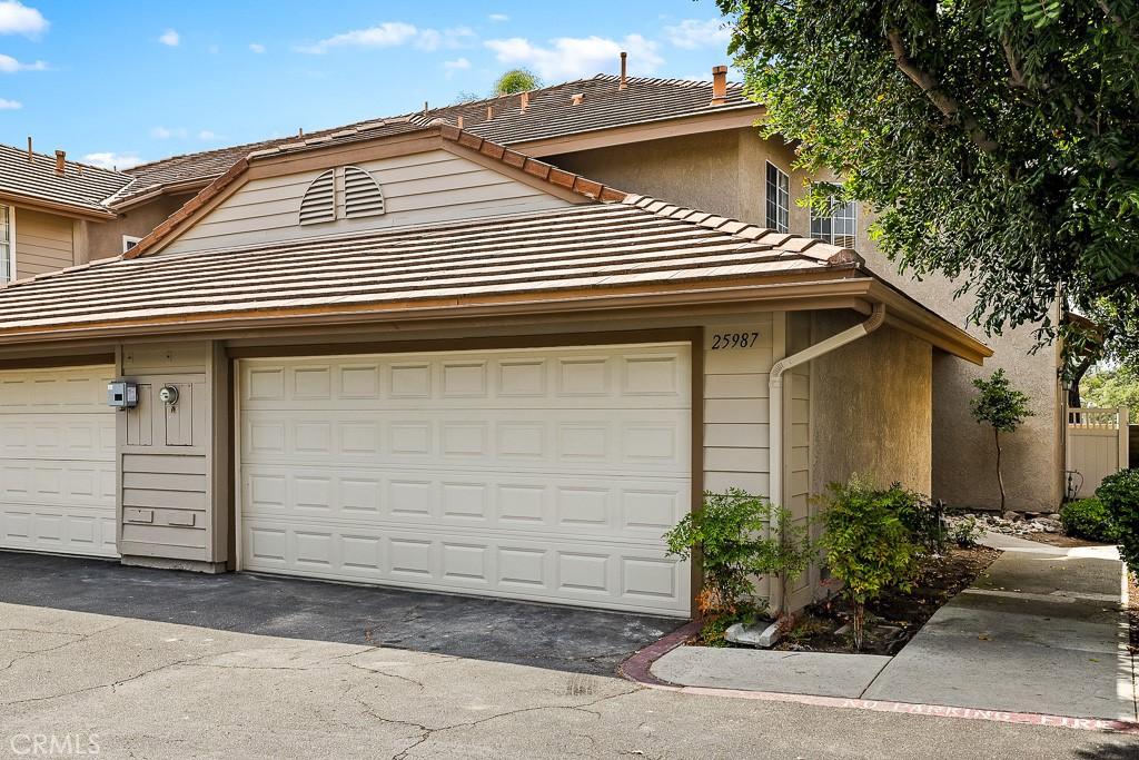 25987     Atherton Avenue   25, Laguna Hills CA 92653