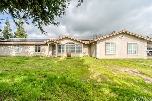 40515 Oakwood Road, Madera, CA 93636